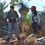 Evi talks ropes to Intan